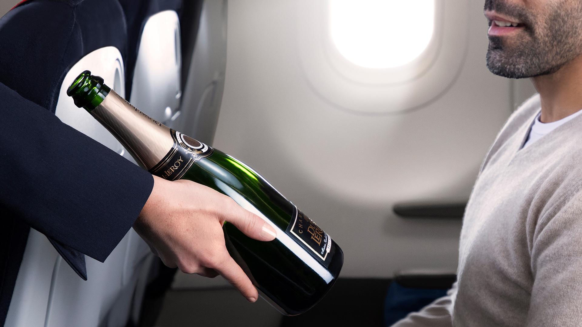 Champagne offert à bord de la nouvelle classe Business d'Air France