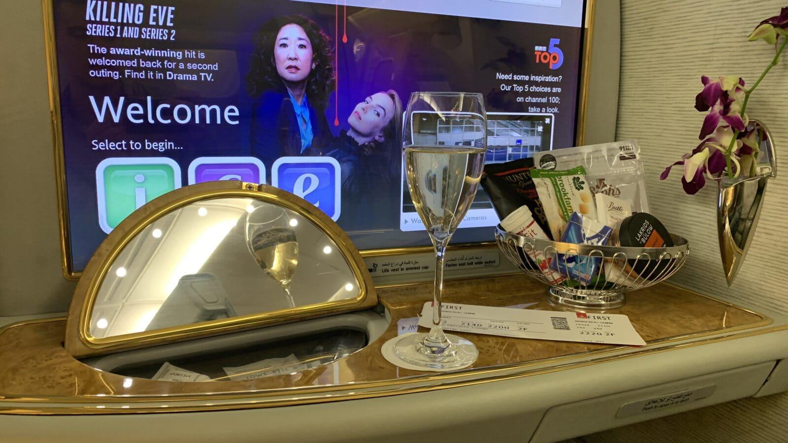 Minibar à bord de la Première Classe dans le Airbus A380 d'Emirates