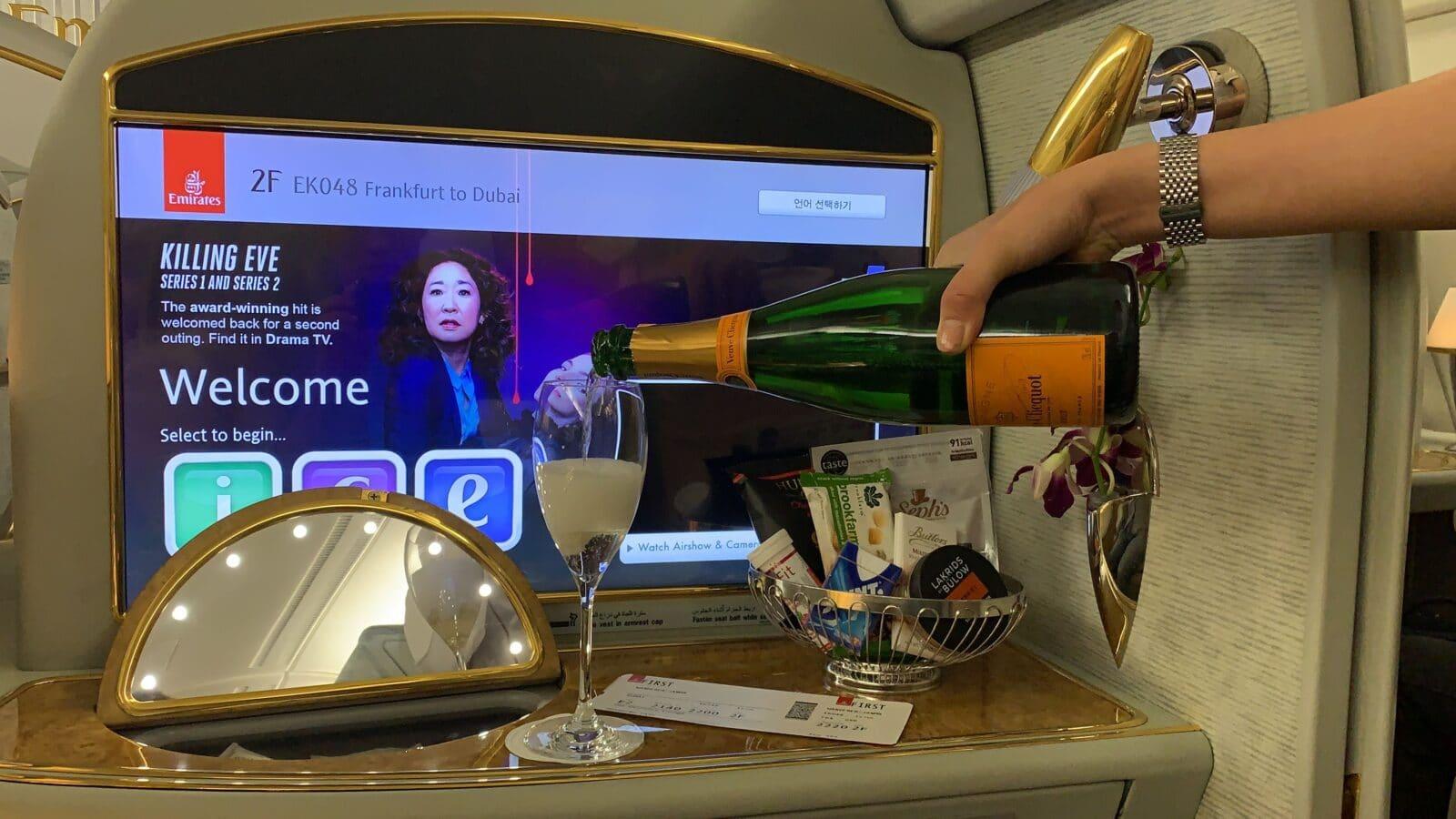 Champagne à bord de la Première Classe du Airbus A380 d'Emirates