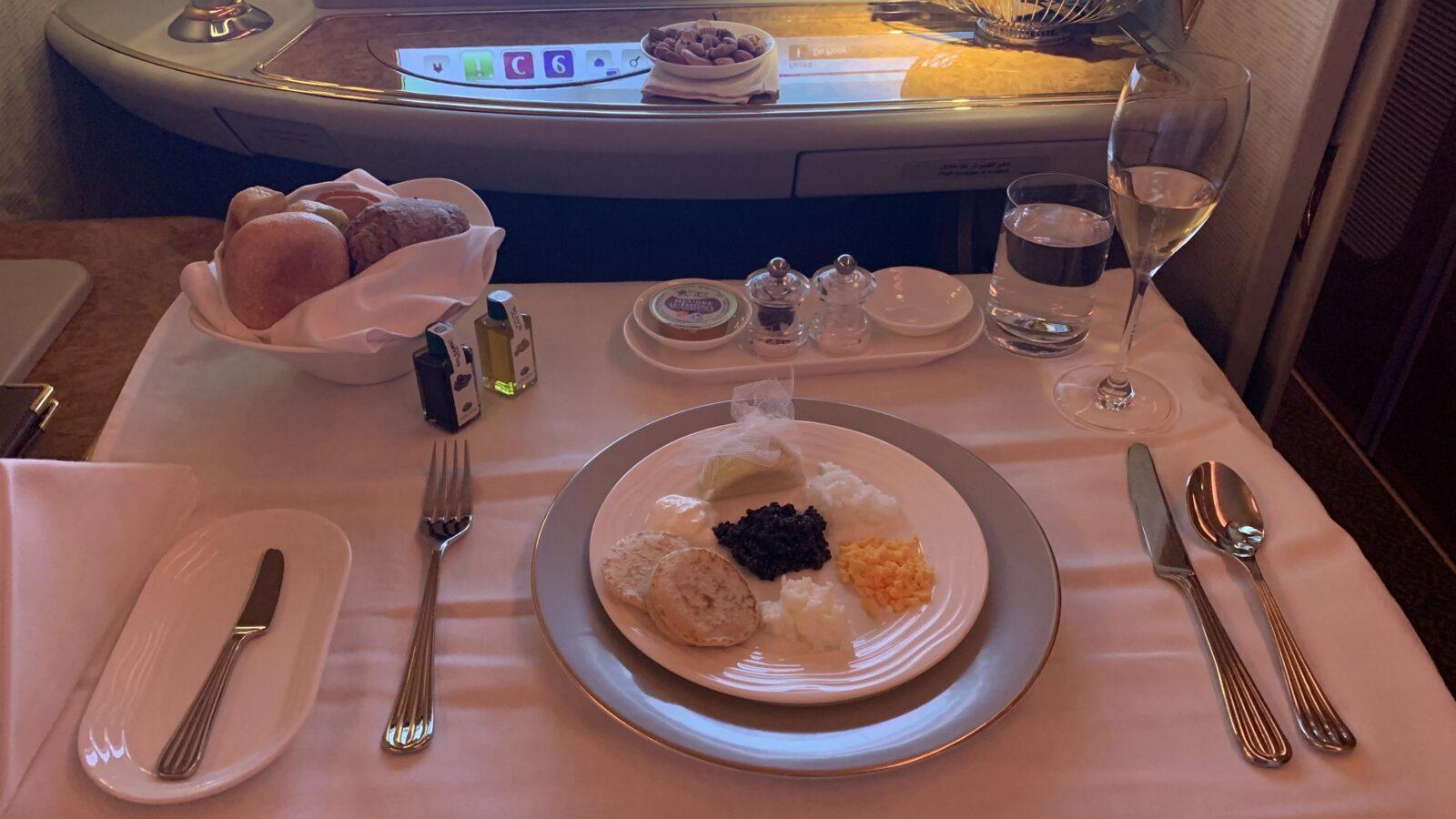 Caviarà bord de la Première Classe du Airbus A380 d'Emirates