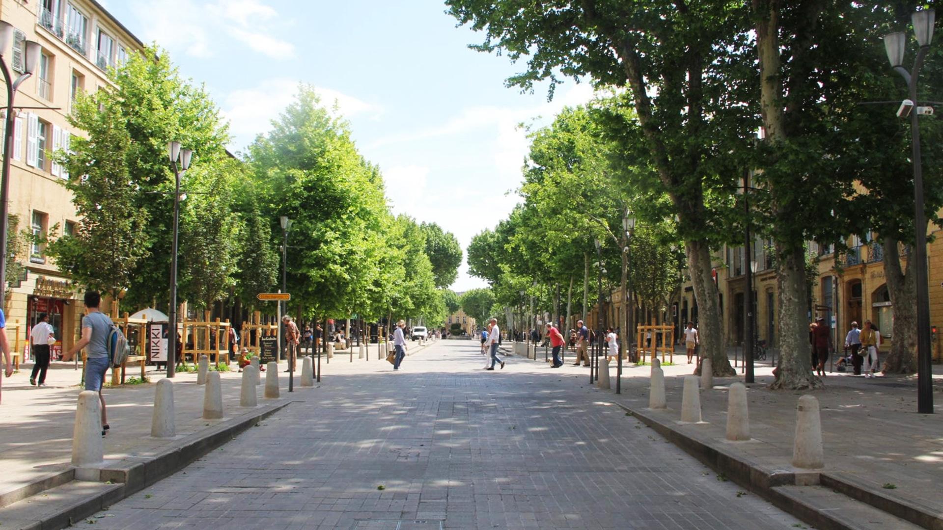 Visiter Aix-en-Provence : le cours Mirabeau