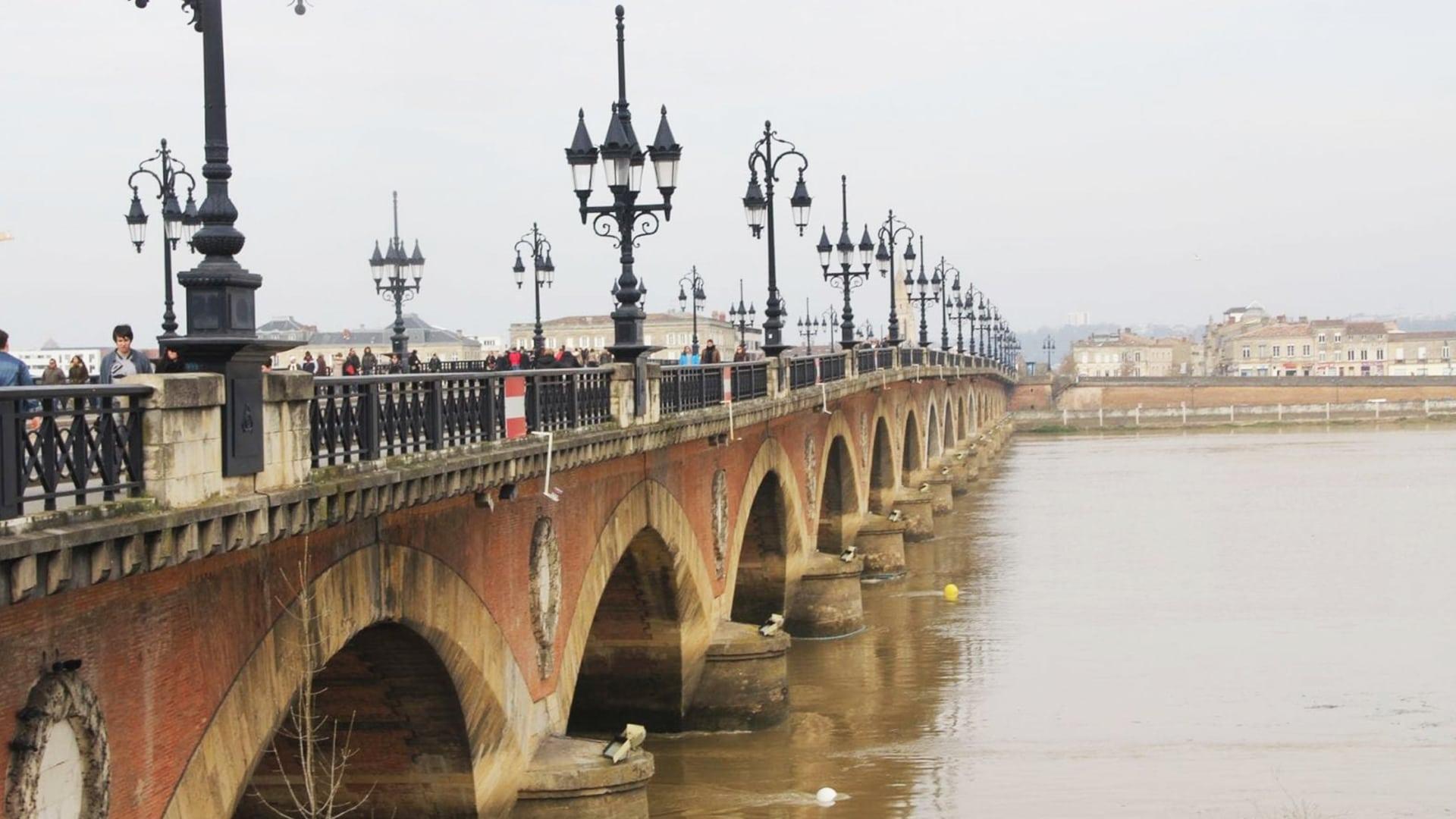 Visiter Bordeaux : le pont de pierres