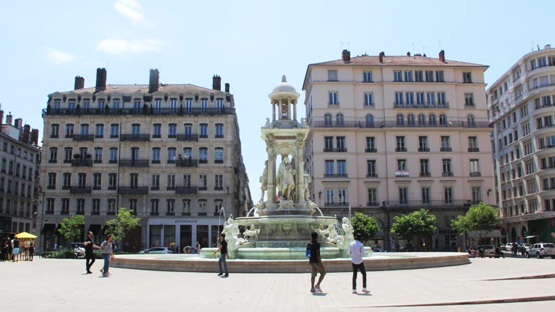 Visiter Lyon : place des Jacobins