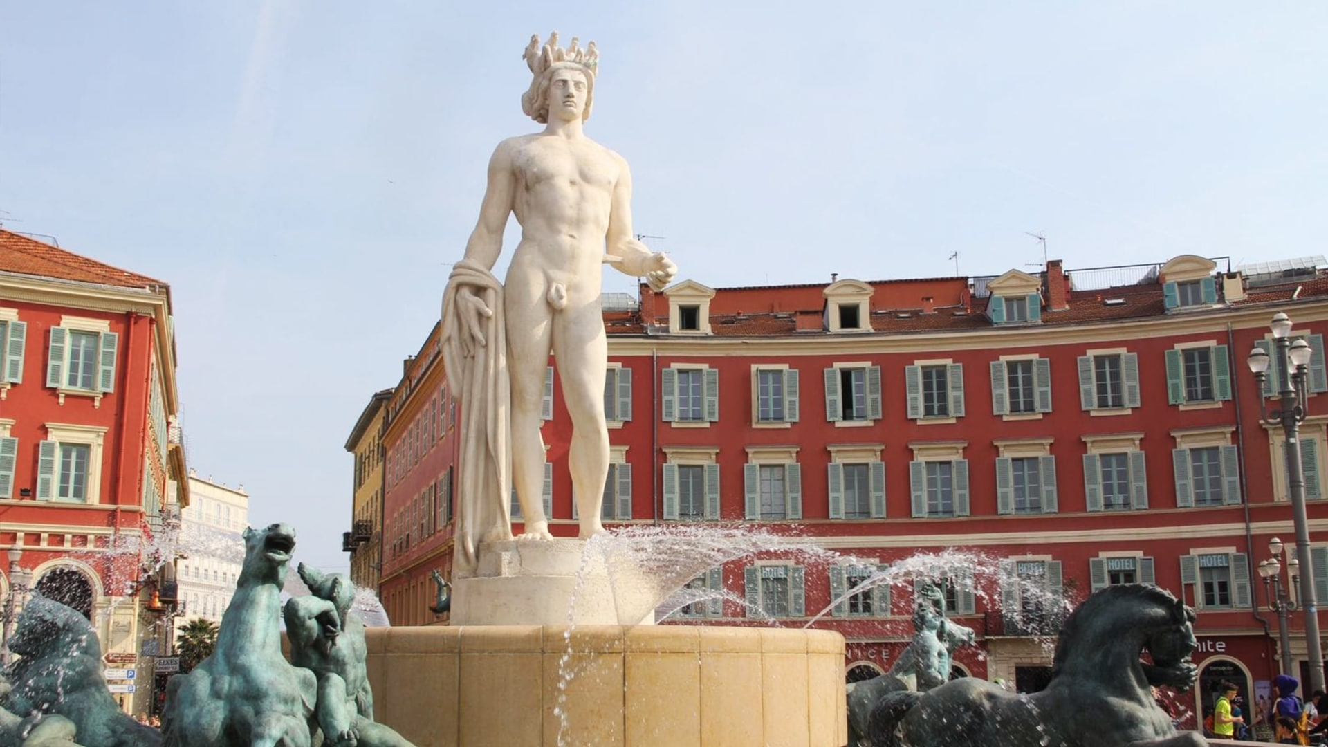 Visiter Nice : la Fontaine du Soleil