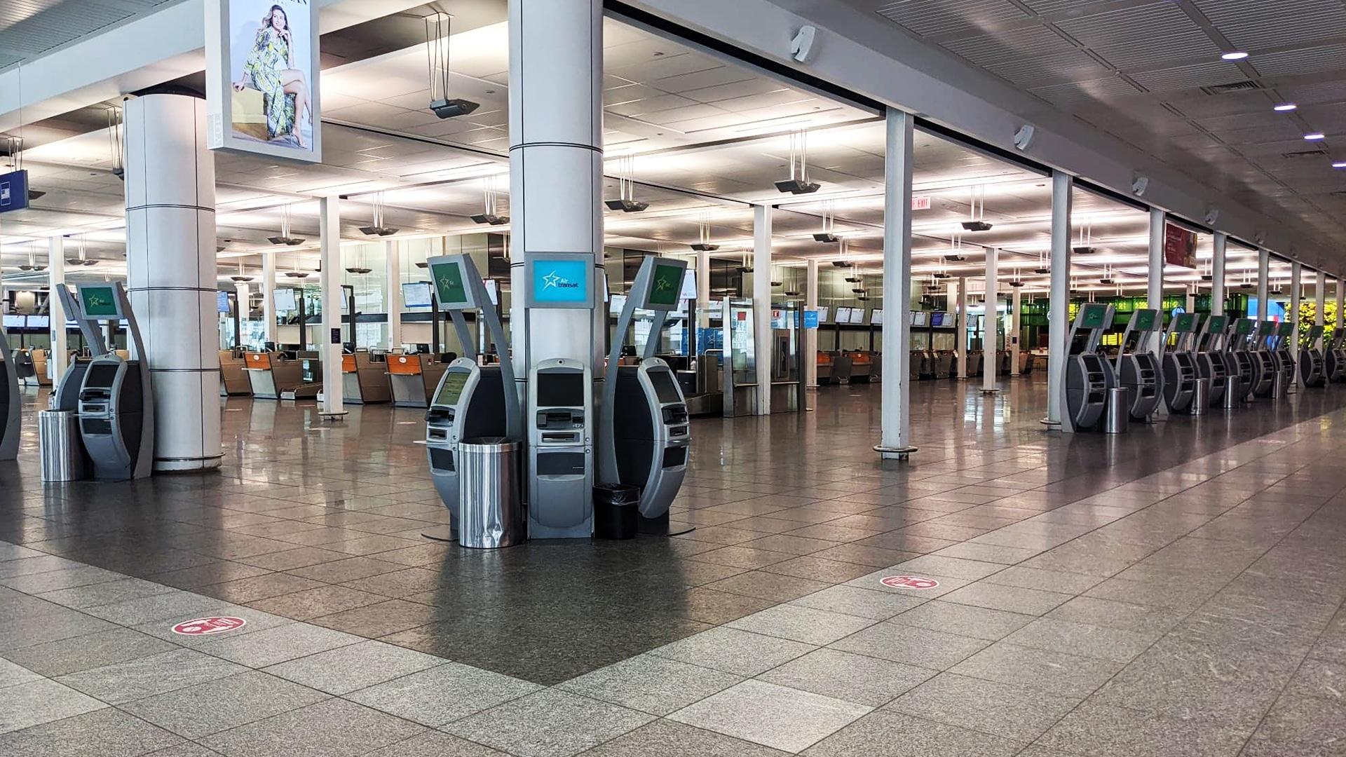 Prendre l'avion pendant le coronavirus : tous les aéroports sont vides