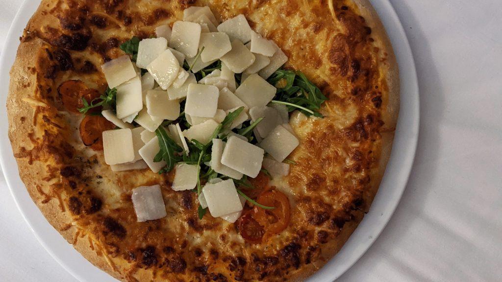 Avis défavorable sur la pizza de la Villa Haussmann à Paris