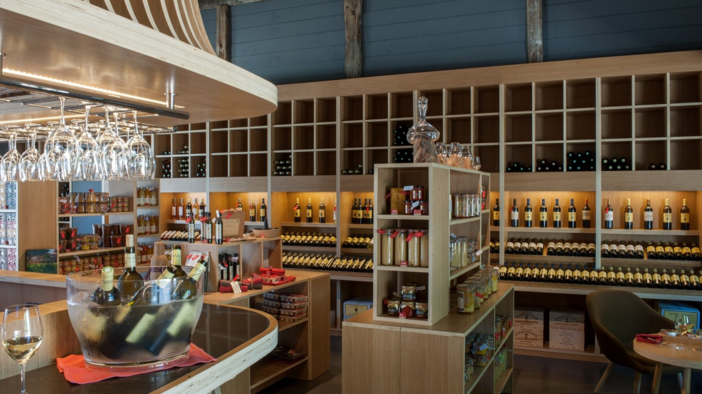 ROUGE, bar à vins et épicerie de l'hôtel les Sources de Caudalie