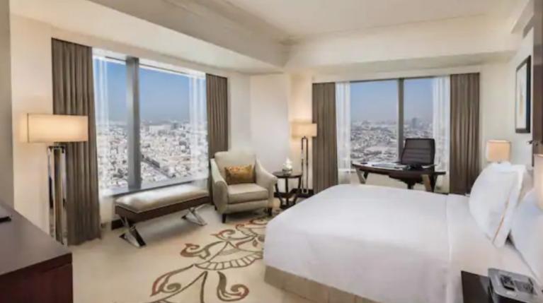 Conrad Dubai suite