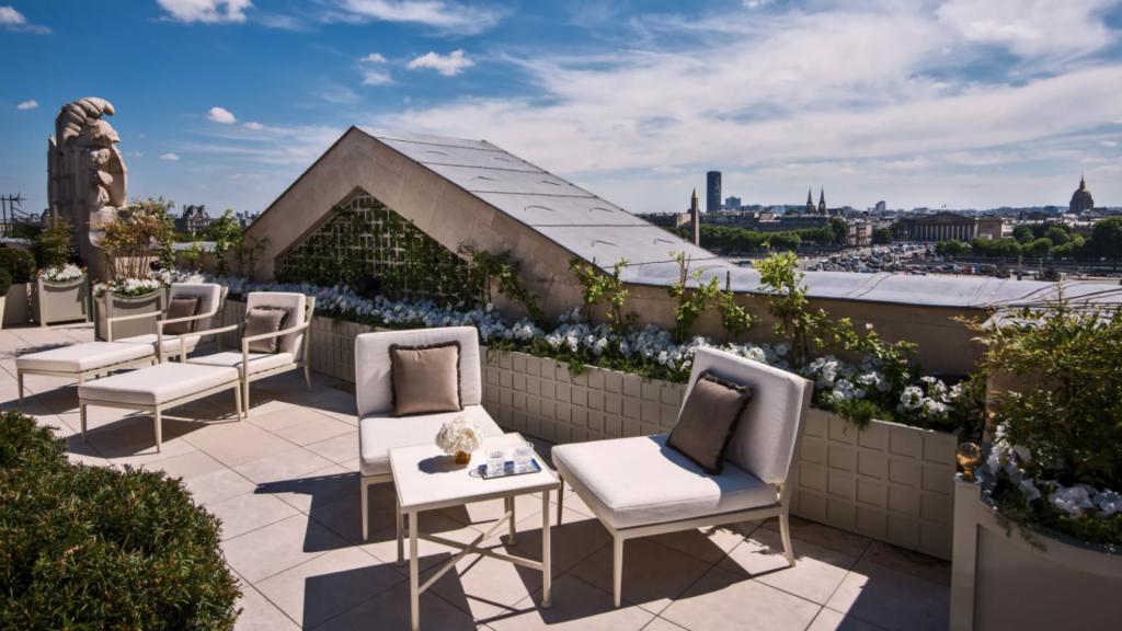 Rooftop Bonsoir Paris de la suite Bernstein  à l'Hôtel de Crillon