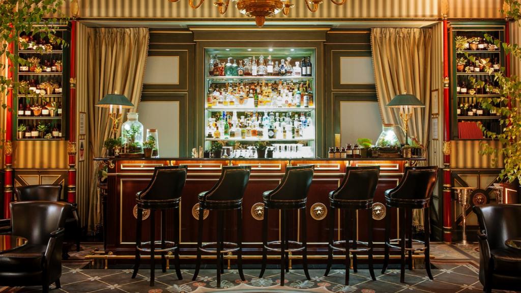 Bar de l'hôtel Shangri-La à Paris