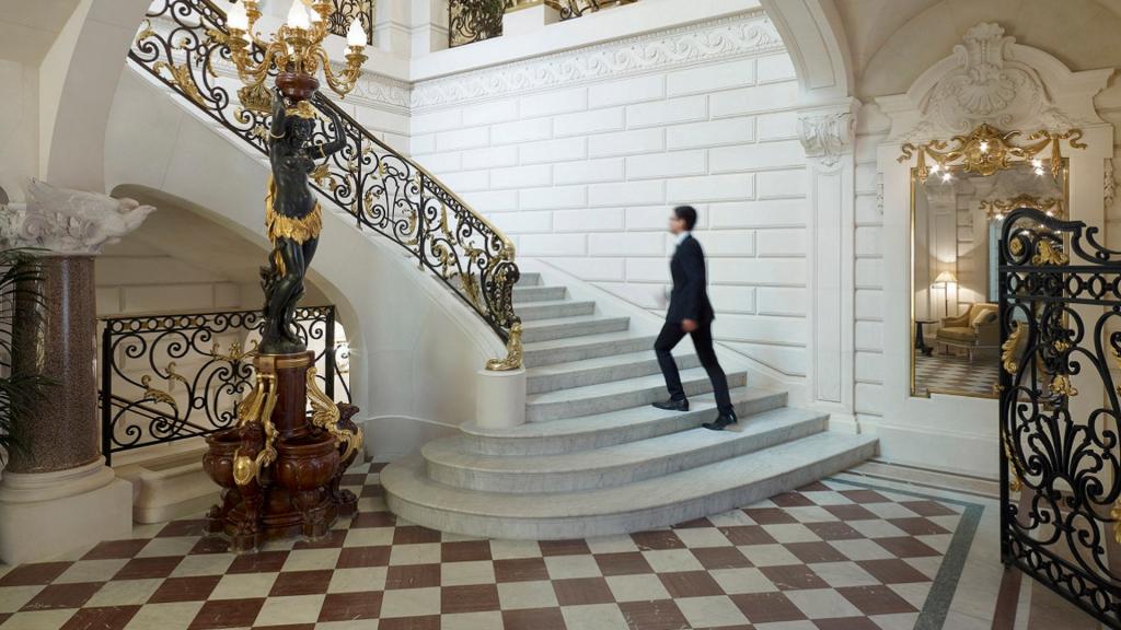 Look de l'hôtel Shangri-La à Paris