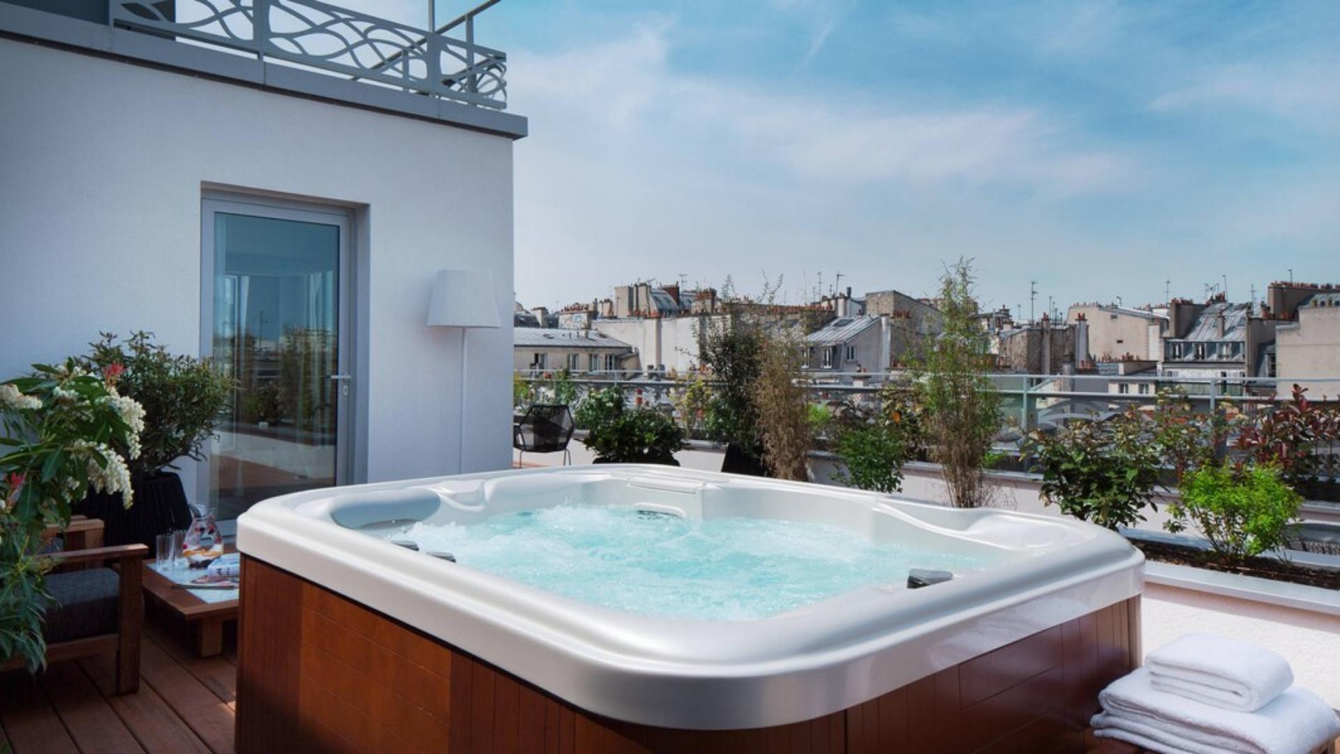 RENAISSANCE-PARIS-REPUBLIQUE-HOTEL
