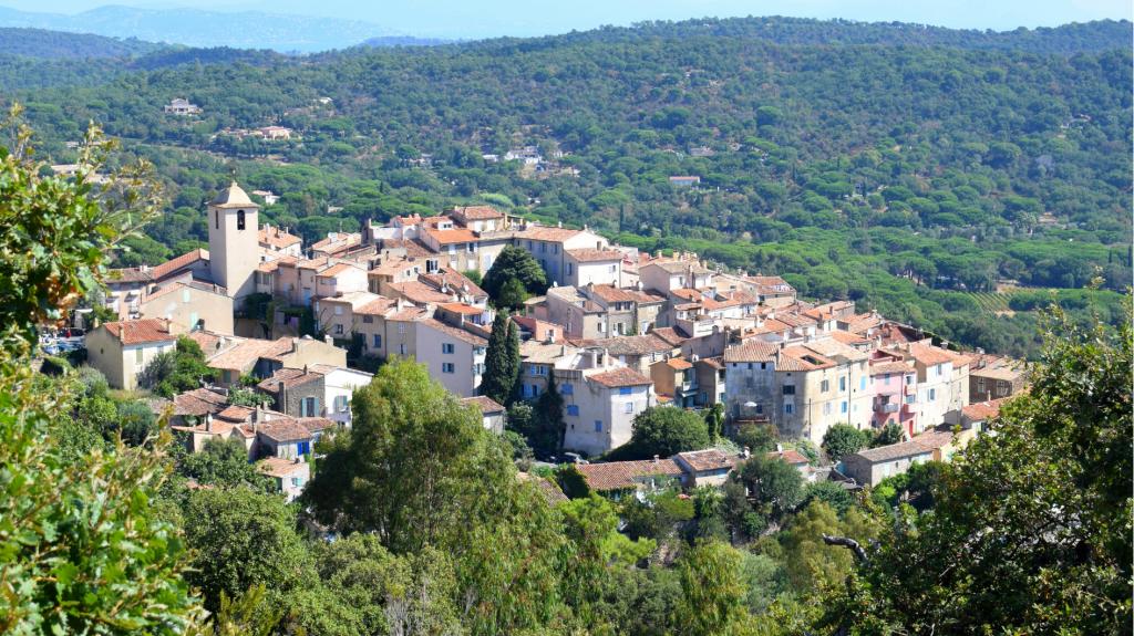 Vue village -c- Office de Tourisme Ramatuelle