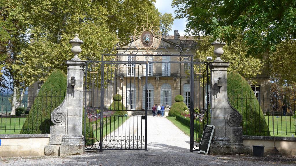 Le Château de Sauvan, un incontournable à visiter dans le Parc naturel régional du Luberon