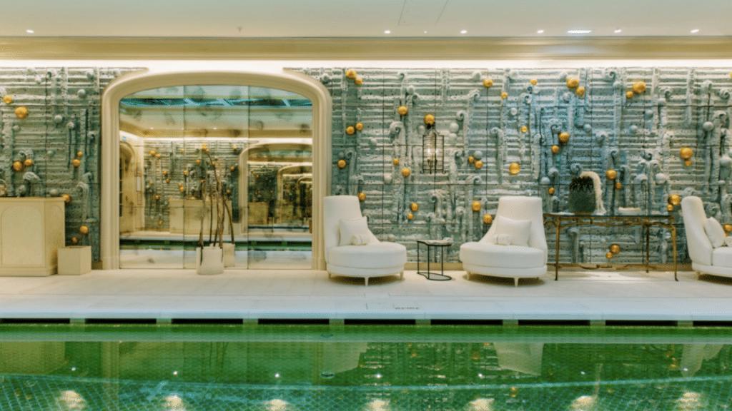 La piscine de l'Hôtel de Crillon