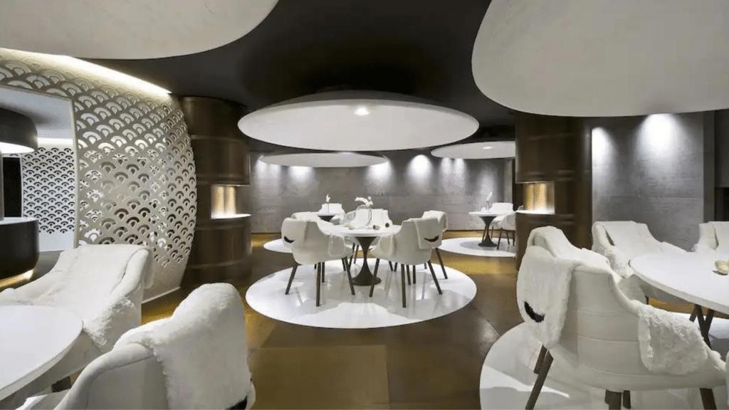 Bar et restaurant gastronomique Courchevel │ Hôtel Cheval Blanc