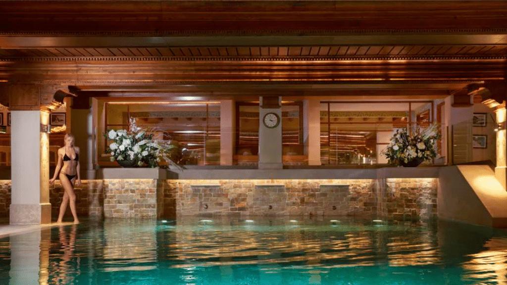 Hôtel 5 étoiles Luxe Airelles Courchevel - Palace au coeur des Alpes - spa