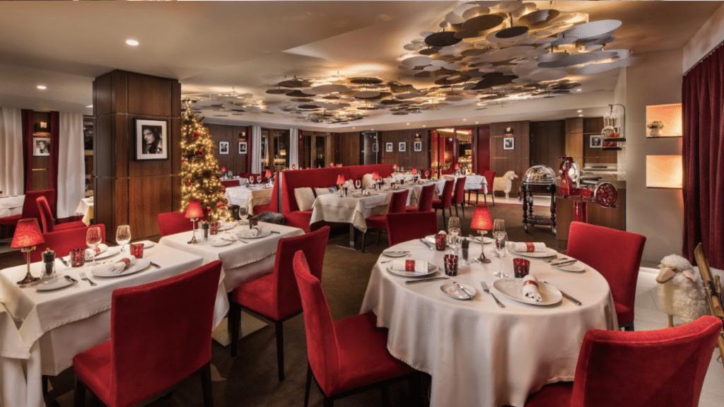 Hôtel Barrière Les Neiges - restaurant