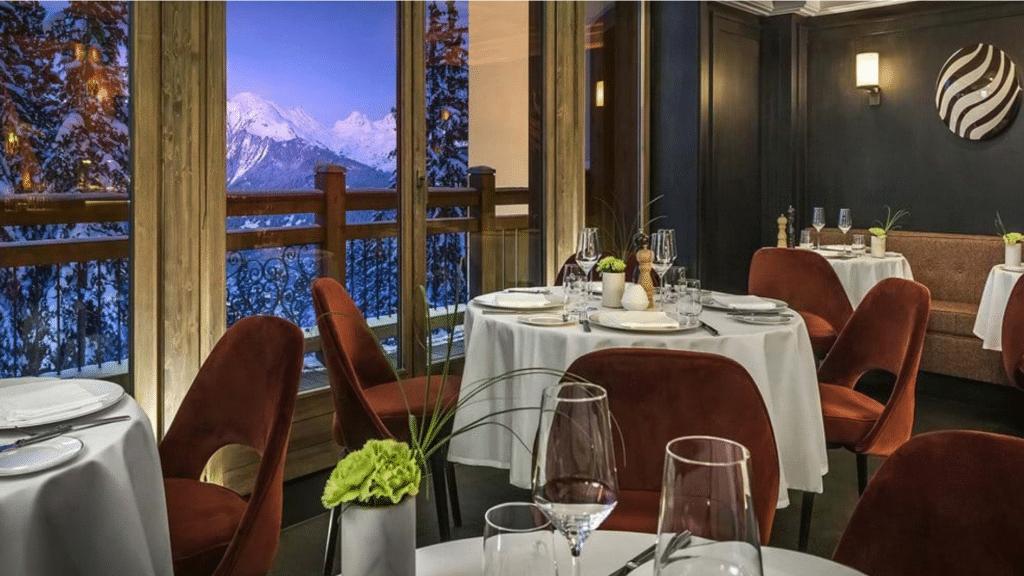 L'Apogée Courchevel _ Hôtel Ski 5 Étoiles, Chalets & Spa Dans Les Alpes - restaurant